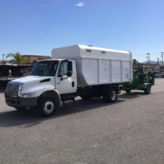 2003 International 4700 Chipper Truck